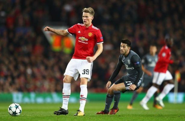 McTominay (trái) chơi tốt trong trận đầu tiên được thi đấu trong đội hình xuất phát ở Champions League