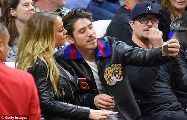 Bryan Tanaka ngưỡng mộ Mariah Carey đã 10 năm nay nhưng giờ đàn chị mới dành tình cảm cho anh