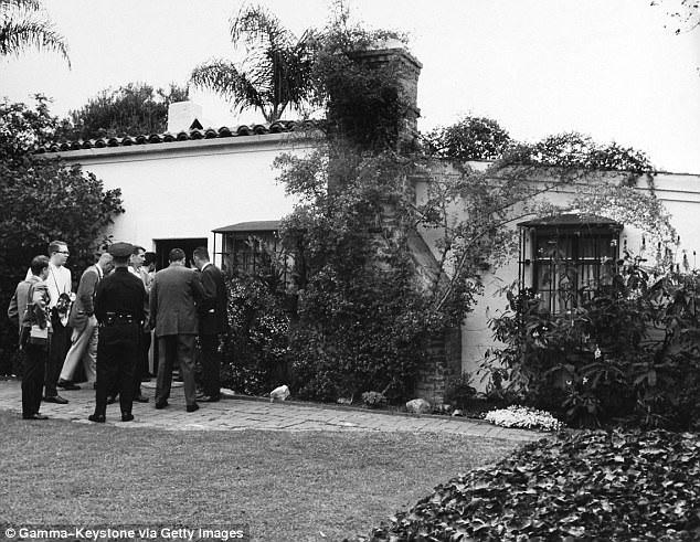 Biểu tượng gợi cảm nước Mỹ qua đời tại ngôi nhà này vào năm 1962 khi mới 36 tuổi. Cái chết của cô được cho là vì sử dụng thuốc ngủ quá liều