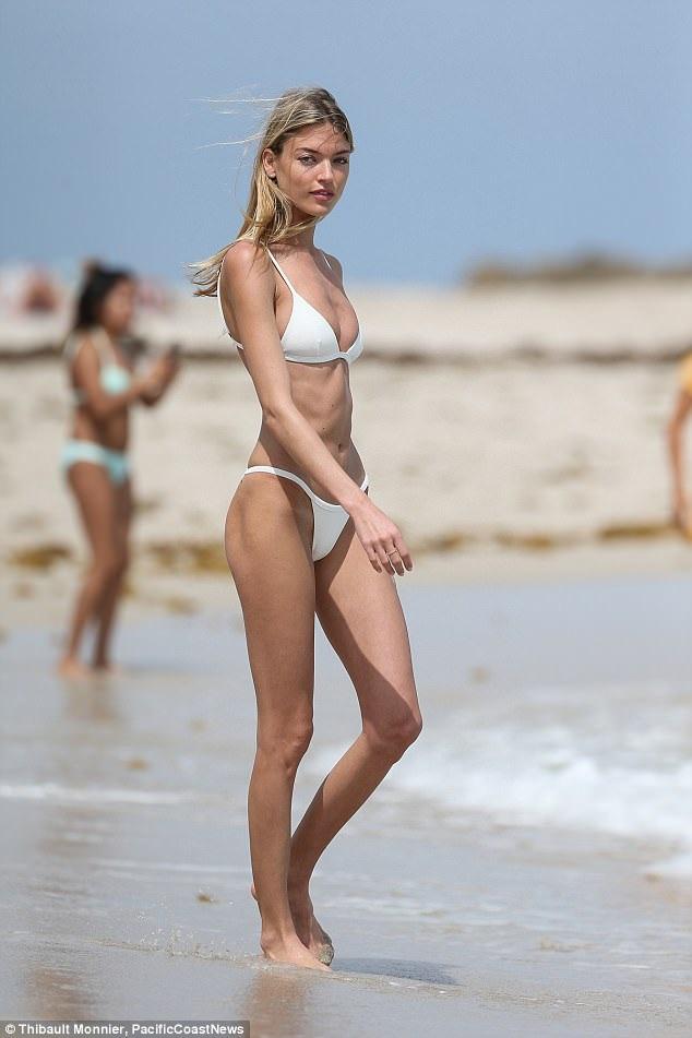 Martha Hunt, 27 tuổi, cao 1,78m là người mẫu của Victorias Secret từ năm 2013 tới nay