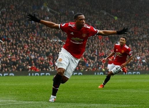 Martial ăn mừng bàn thắng mở tỉ số