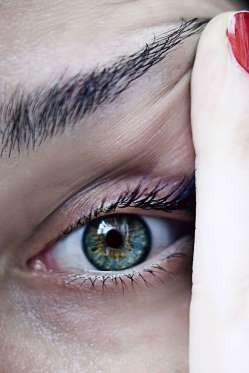 """12 dấu hiệu bệnh mà bạn phải """"hỏi"""" mắt - 2"""