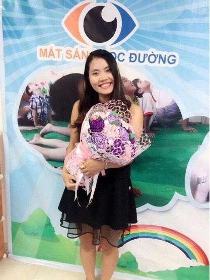 Chị Nguyễn Thủy bỏ kính thành công nhờ luyện mắt theo phương pháp kết hợp yoga, thiền, NLP và khí công y đạo