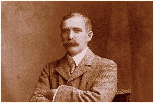 Sir Henry Solomon Wellcome - một nhà kinh doanh dược phẩm nổi tiếng nước Anh chính là ông tổ của mực tàng hình.