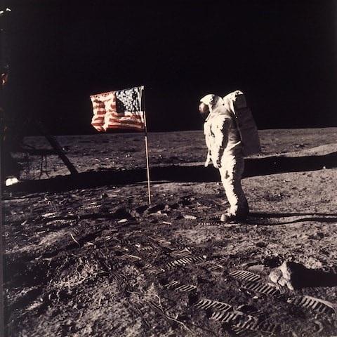 Buzz Aldrin trên mặt trăng năm 1969.