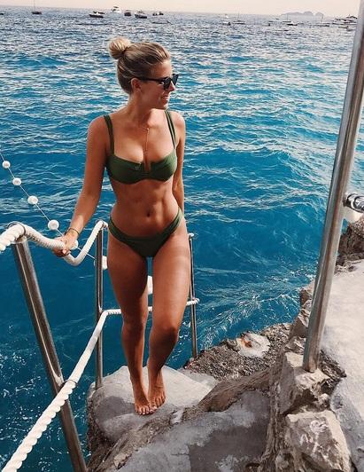 Người mẫu Úc nổi tiếng với thân hình đẹp mê hồn nhờ chế độ ăn uống và tập thể thao chuẩn chỉnh