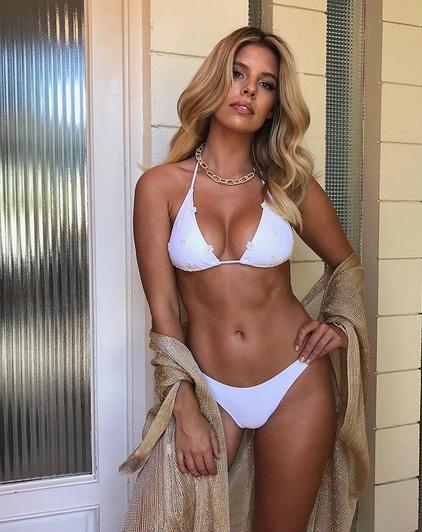 Cơ bụng ấn tượng của người đẹp Úc - 5