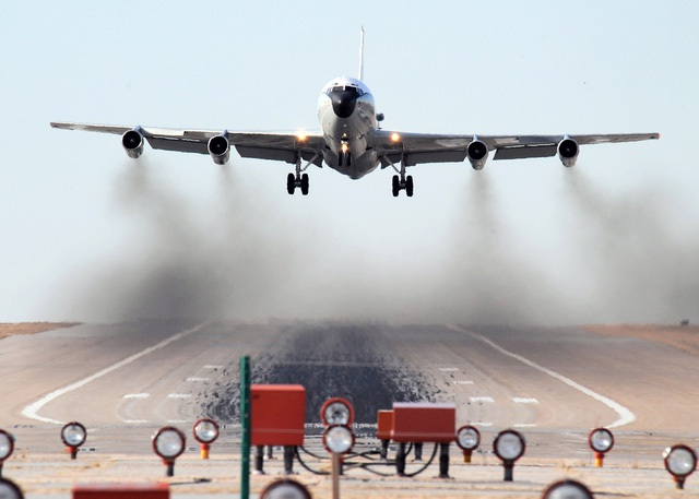 Máy bay WC-135 của Không quân Mỹ. (Ảnh: Aviationist)