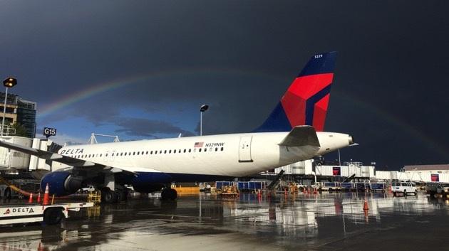 Hãng Delta từng nhiều lần phục vụ đồ ăn miễn phí cho hành khách khi máy bay gặp phải sự cố hoãn chuyến