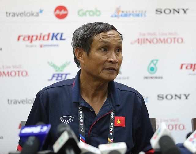 HLV Mai Đức Chung tiếp tục tạm thời dẫn dắt đội tuyển Việt Nam