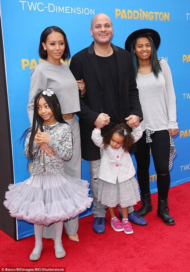 Mel B và Stephen Belafonte bên ba đứa con gái khi còn hạnh phúc