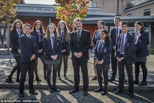 10 học sinh của trường St Bede's Catholic College được vào Hiệp hội Mensa