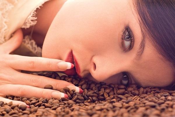"""Những công dụng """"không tưởng"""" của bã cà phê khiến bạn bất ngờ - 4"""