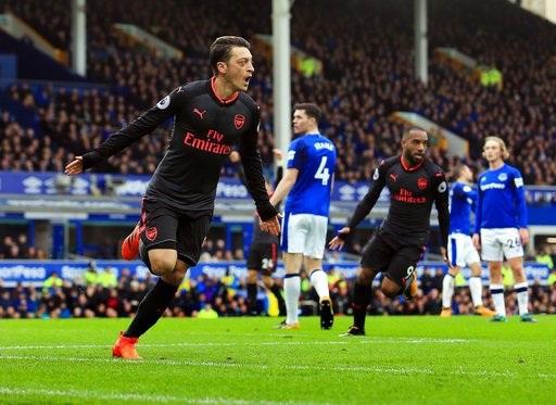 Mesut Ozil đã có tới 8 đường kiến tạo cơ hội trong trận đấu với Everton