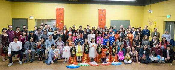 Các du học sinh và bạn bè quốc tế tại bang Michigan cùng đón xuân Đinh Dậu.