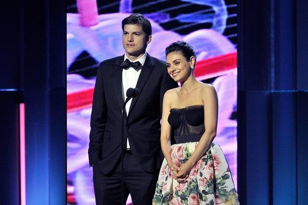Mila Kunis và Ashton Kutcher đều là những người rất kín đáo về đời tư và hiếm khi chia sẻ chuyện tình cảm với giới truyền thông