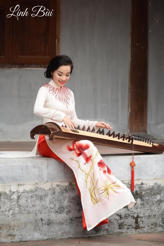 Âm nhạc dân tộc vẫn là đam mê mà Minh Hương vô cùng trân trọng.
