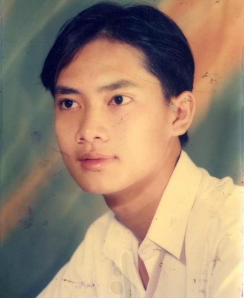 Diễn viên Minh Luân cùng hình ảnh thời đi học, anh viết: Anh của ngày xưa, còn bây giờ chẳng thấy gì mà chỉ thấy già.