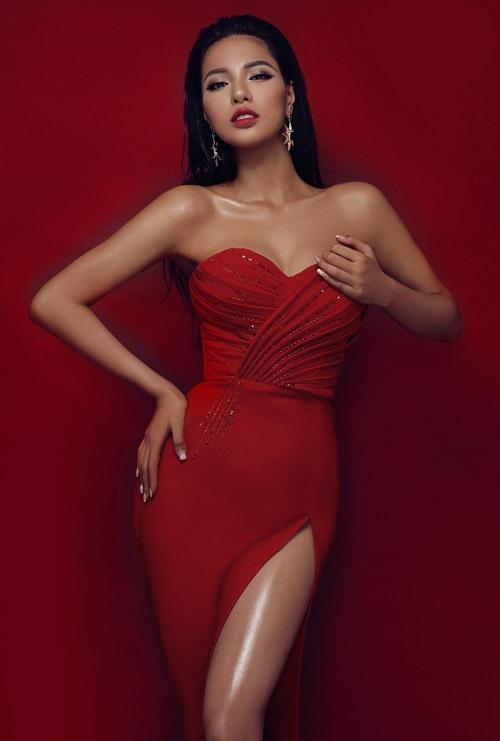 Đại diện của Việt Nam - Dương Nguyễn Khả Trang đã lọt vào top 94 của Miss Grand Slam (Hoa hậu của các hoa hậu) năm 2016. Cô cũng được chọn là Mỹ nhân gợi cảm nhất khu vực châu Á.