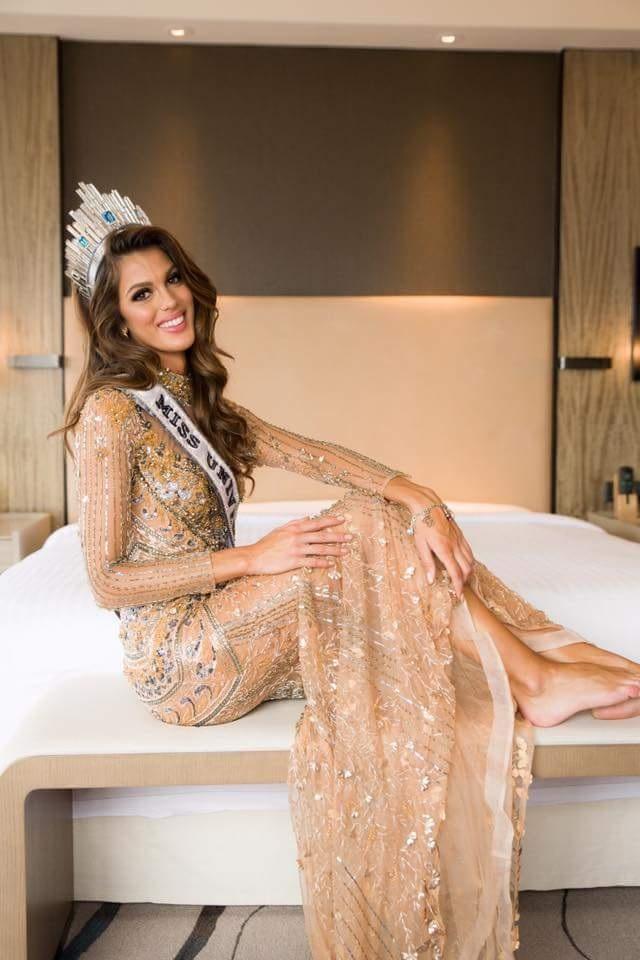 Hoa hậu Iris vẫn ngất ngây trong chiến thắng sau chung kết cuộc thi Hoa hậu hoàn vũ 2016.