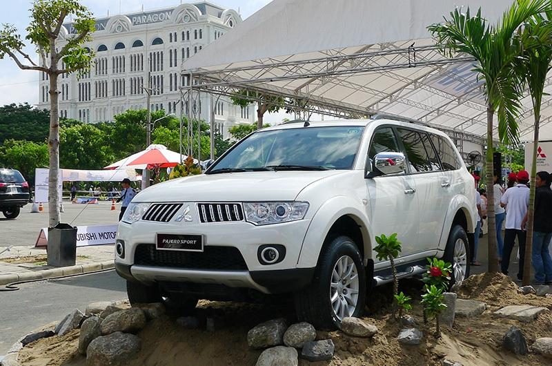 Mitsubishi Pajero Sport mới giá từ 1,329 tỉ đồng - 1