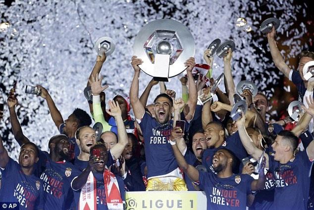 Monaco giành chức vô địch Ligue 1 sau 17 năm chờ đợi