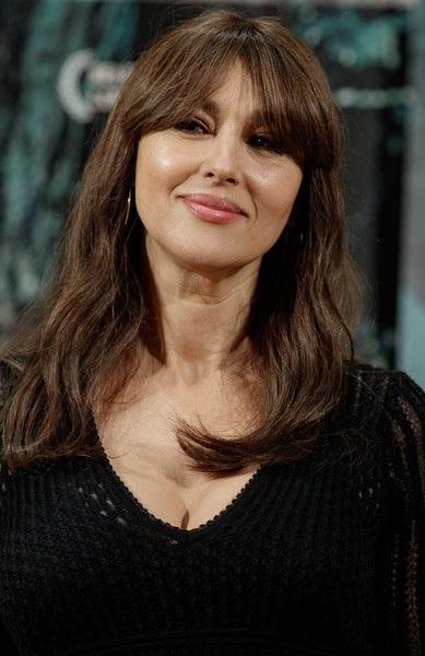 Bond girl của phim Spectre vẫn trẻ đẹp dù đã bước qua tuổi 54