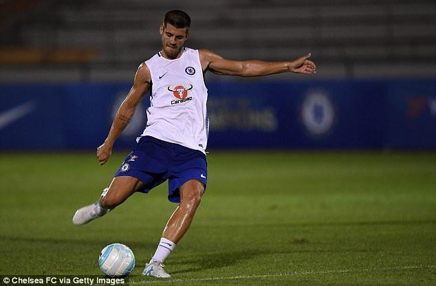 """""""Bom tấn"""" Morata tức tốc đến Singapore, tập luyện cùng Chelsea - 1"""