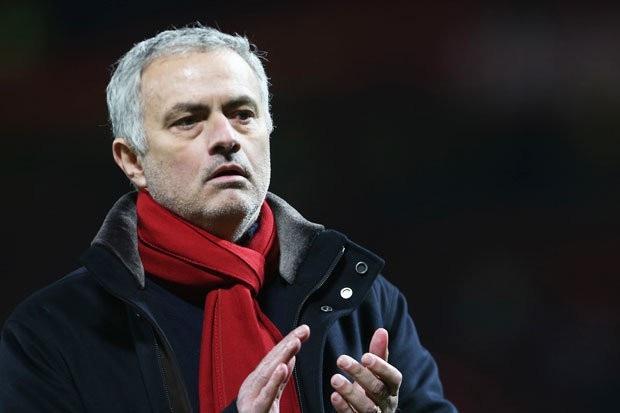 HLV Mourinho phàn nàn về vấn đề trọng tài sau trận đấu với Southampton