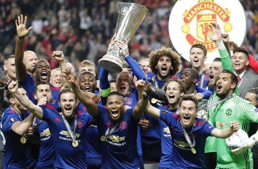 Chiếc cúp Europa League đầu tiên trong lịch sử MU