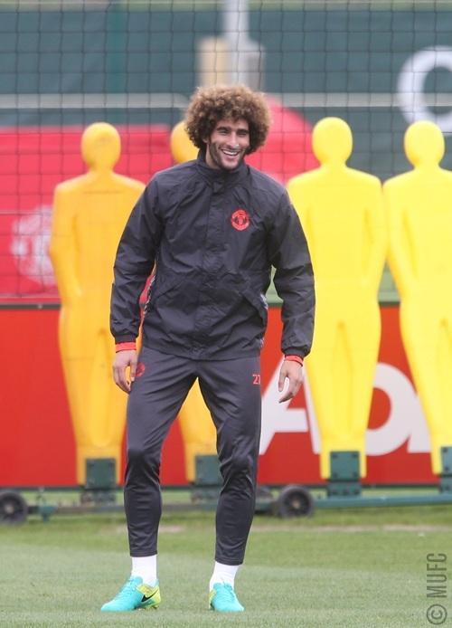 Fellaini trên sân tập, tuần trước anh có tên trong đội hình xuất phát của MU trong trận làm khách tại Bỉ