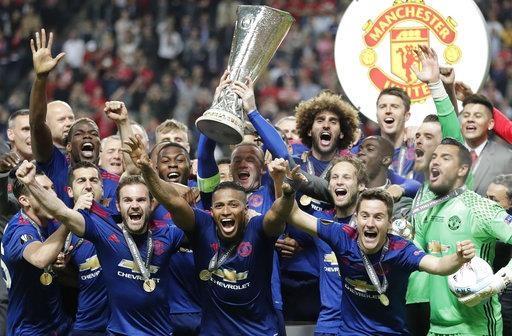 Niềm hạnh phúc tột độ của MU với chiếc cúp Europa League