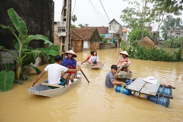Người dân khốn đốn vì mưa lũ trong những ngày qua