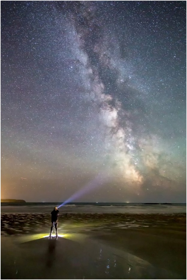 Mưa sao băng Perseid nhìn từ Bigbury, biển Devon..