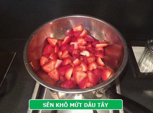 Làm mới vị Tết với mứt dâu tây hương vani - 4