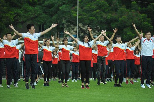 Sinh viên Thuỷ lợi nhảy flashmob