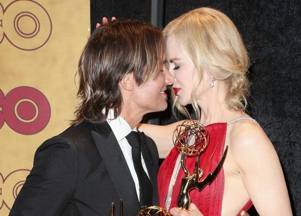 Nicole Kidman hạnh phúc vì được chồng Keith Urban cổ vũ trong mọi công việc. Cặp đôi kết hôn từ năm 2006 đã có với nhau 2 con gái ngoan ngoãn, xinh đẹp.