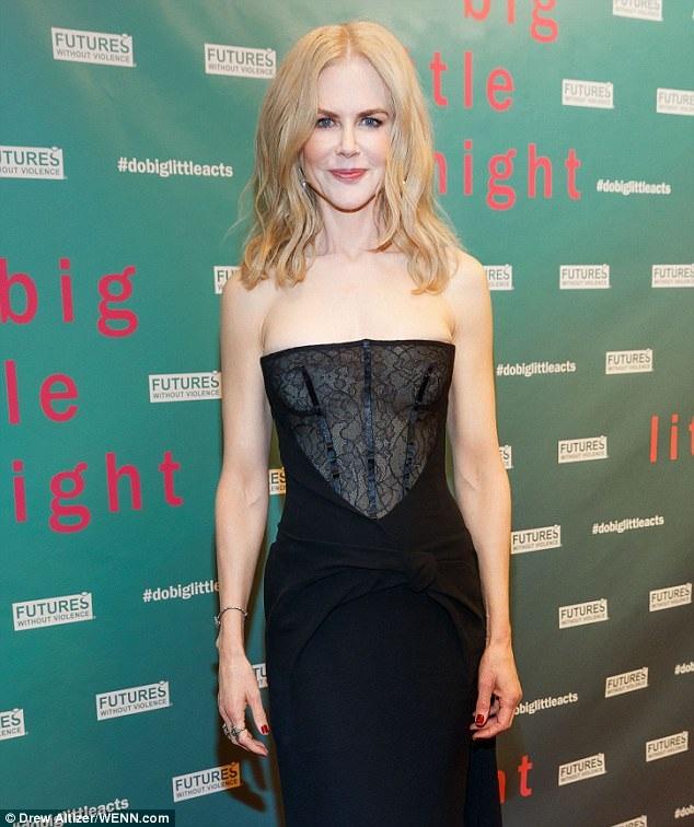 Nicole Kidman xinh đẹp và rạng ngời dù đã bước qua tuổi ngũ tuần. Mới đây tại lễ trao giải Emmy, cô đã giành giải Nữ diễn viên chính xuất sắc nhất