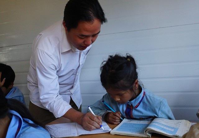 Điểm trường này có 7 thầy giáo và 47 học sinh, đều là người dân tộc Mông