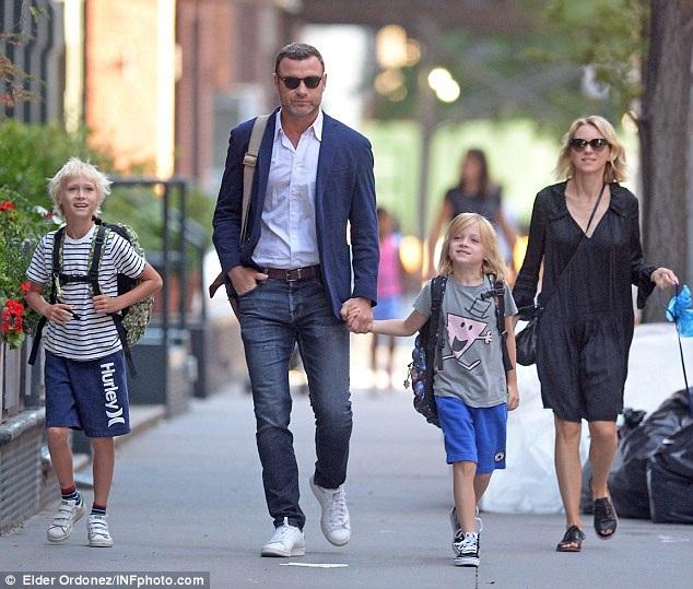 Naomi Watts vẫn thân thiết với bạn trai cũ - 2