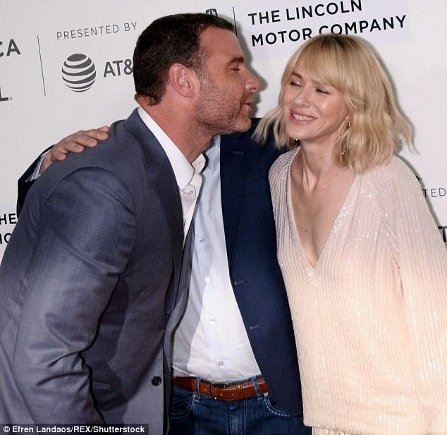 Tham dự sự kiện này, diễn viên 49 tuổi đã có dịp tái ngộ bạn trai cũ Liev Schreiber