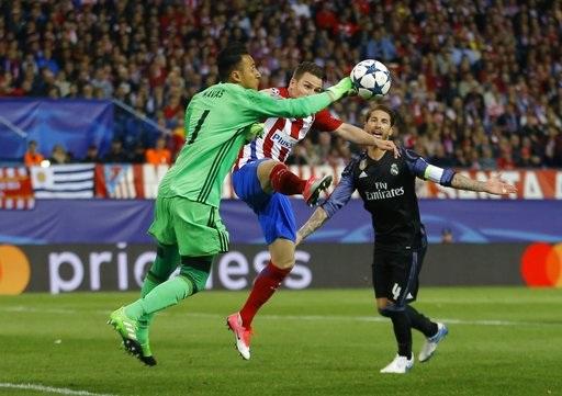 Keylor Navas thi đấu chắc chắn trong khung gỗ của Real Madrid