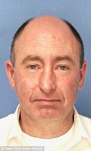 Joseph Talbot đã bị cảnh sát bắt giữ vì lái xe trong khi say rượu và ông không muốn ai biết về điều đó
