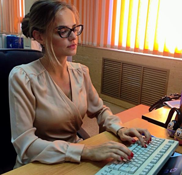 Sau khi xuất hiện thông tin bổ nhiệm trên truyền thông Nga, nhiều người đã nhanh chóng tìm kiếm địa chỉ các trang mạng xã hội cá nhân của Markovskaya để tìm hiểu thêm về cô gái này. (Ảnh: Rossiyana Markovskaya/Instagram)