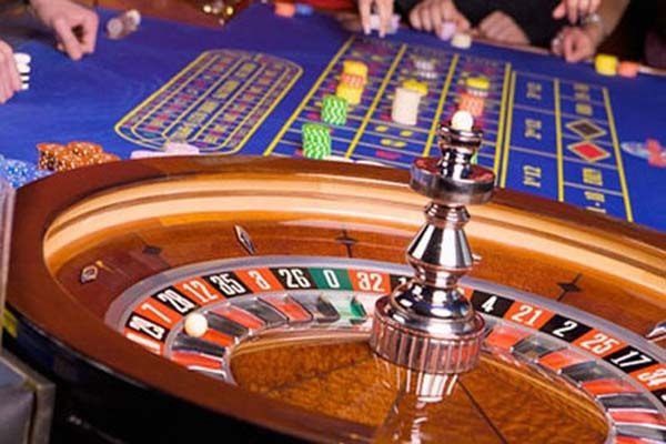 Mỗi năm người Việt chi tới 800 triệu USD để ra nước ngoài đánh bạc
