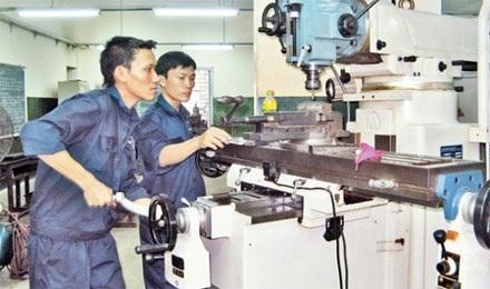 Công nhân tại Trường cao đẳng Kỹ thuật Cao Thắng (Ảnh minh họa, nguồn: Nhân dân)