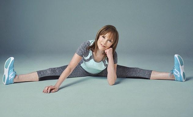Ở tuổi 77, cơ thể bà Lee dẻo dai hơn cả thanh niên