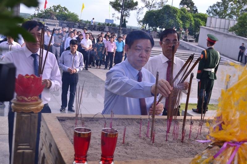 Phó Thủ tướng Vương Đình Huệ tri ân liệt sĩ tại Thành cổ Quảng Trị - 9