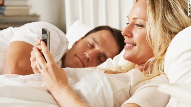 Bạn có bị nghiện smartphone? - 1