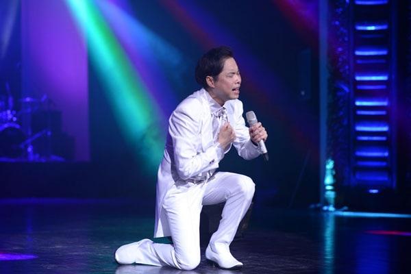Ca sĩ Ngọc Sơn gây choáng trong dư luận về ghi chức danh giáo sư âm nhạc